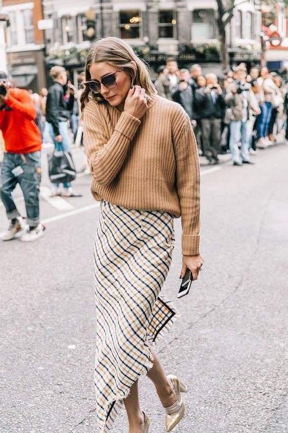 A-symmetrical plaid skirt done right